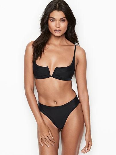 fca8259981 FAE High-back Bikini Bottom, Onyx, onModelFront, 1 of 3